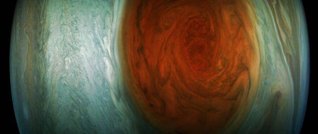 imagini-impresionante-cu-marea-pata-rosie-de-pe-jupiter-ce-a-fotografiat-sonda-juno_size1.jpg